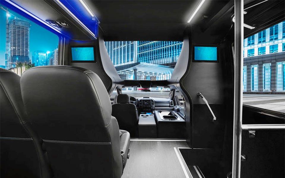 Minibus-GM33-27-pax-Interior
